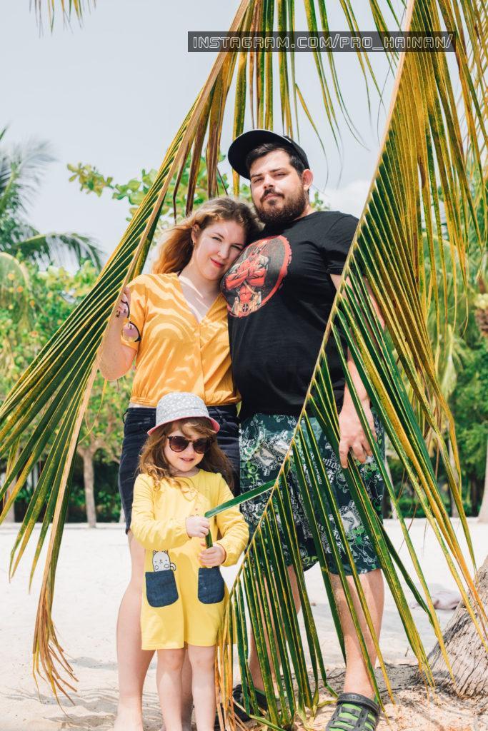 семейное фото на острове хайнань