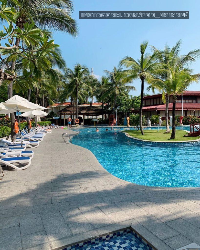 бассейн отеля южный китай